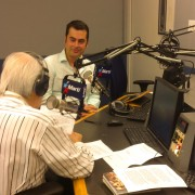Jesús A. Rojo presenta su libro 'Cuando éramos invencibles' en Radio Martí de Miami